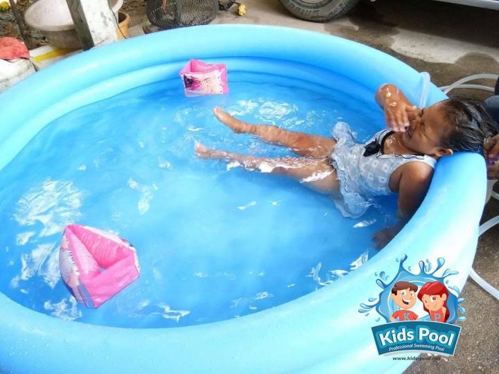 สระน้ำเป่าลม Intex สำหรับเด็ก